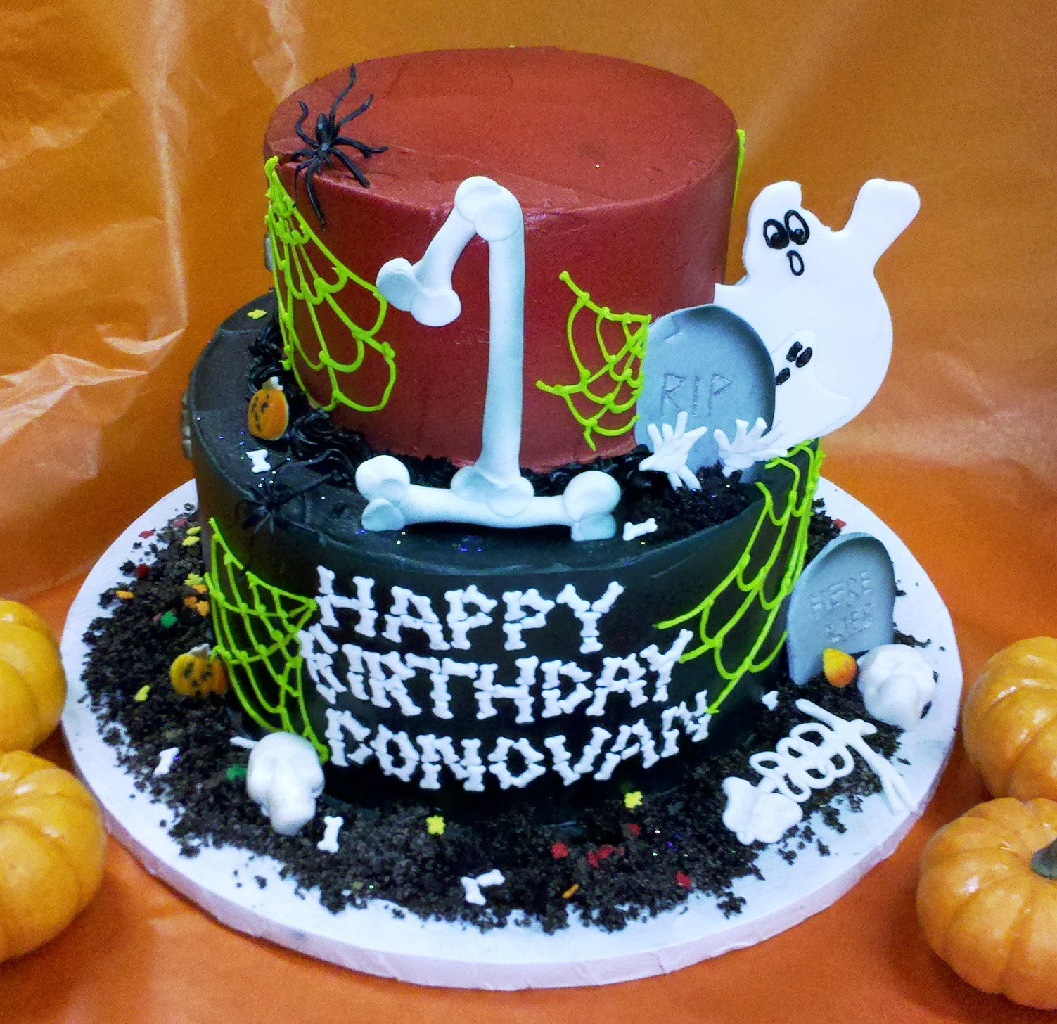 Cool Halloween Cakes  Leslie s Cool Cakes from Stan s Northfield Bakery