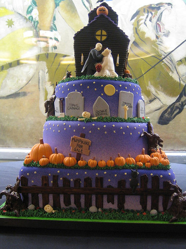 Cool Halloween Cakes  cool halloween wedding cake Cathy