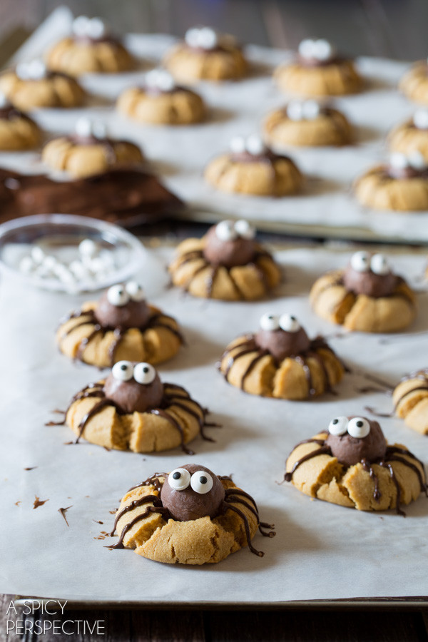 Cute Halloween Cookies  Cute Chocolate Peanut Butter Spider Cookies