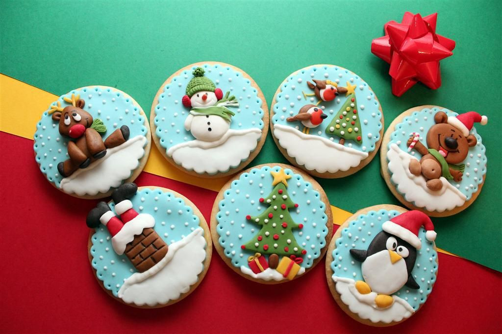 Decorated Christmas Cookies Pinterest  Christmas Winter Cookies on Pinterest Christmas Cookies