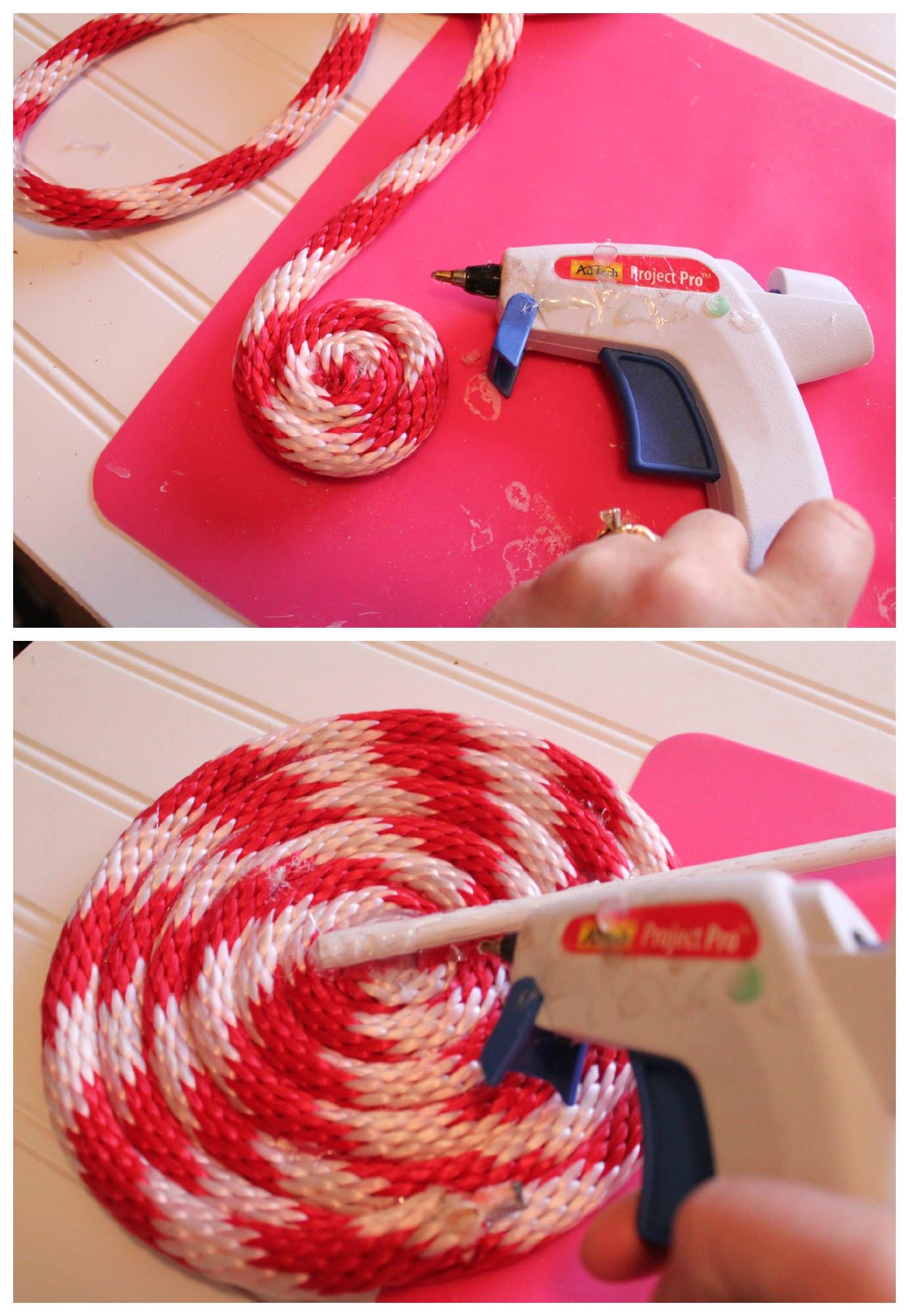 Diy Christmas Candy Decorations  DIY Peppermint Lollipops Christmas Decor