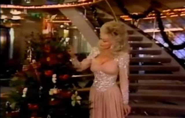 """Dolly Parton Hard Candy Christmas Song  Dolly Parton's """"Hard Candy Christmas"""" Is the Real as Hell"""