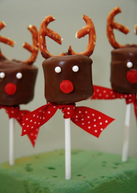 Easy Christmas Cookies To Make With Kids  easy christmas treats kids can make