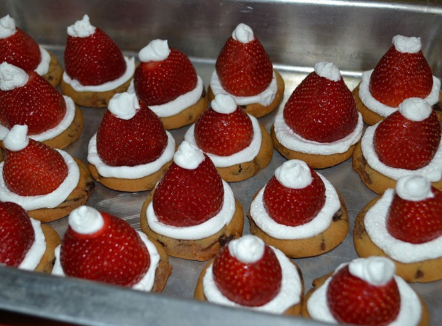 Easy Christmas Cookies To Make With Kids  22 Easy Christmas Treats For Your Kids This Holiday