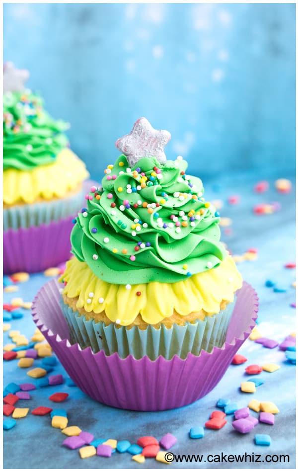 Easy Christmas Cupcakes  Easy Christmas Tree Cupcakes CakeWhiz