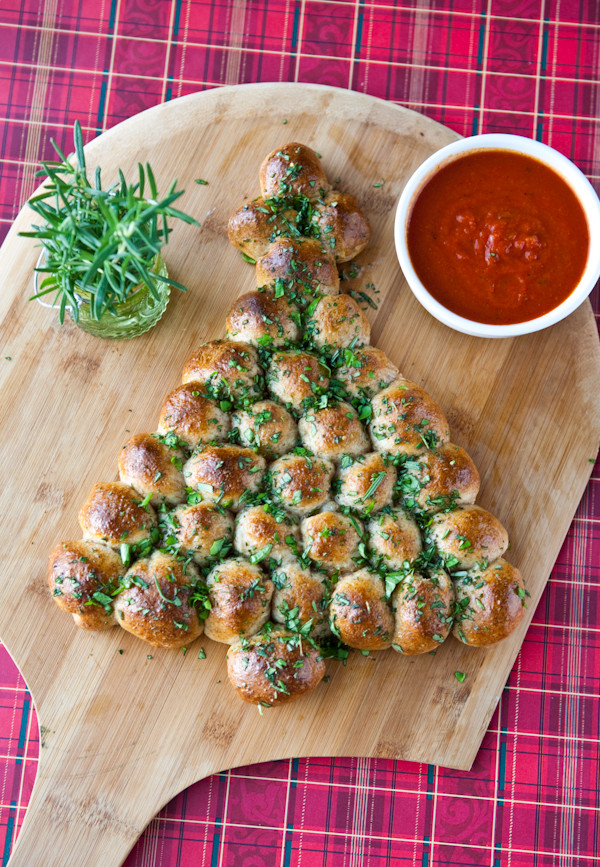 Easy Christmas Eve Appetizers  16 Tasty Appetizer Recipes Decorated in Christmas Colors