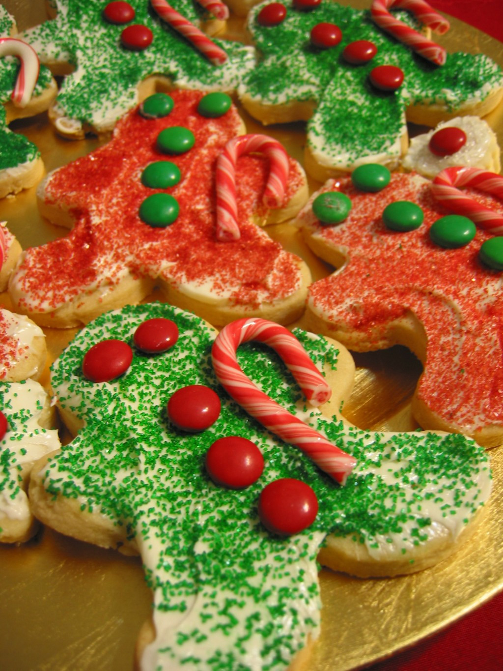 Easy Decorative Christmas Cookies  Decorate Gingerbread Men Quick and Easy Christmas Cookies