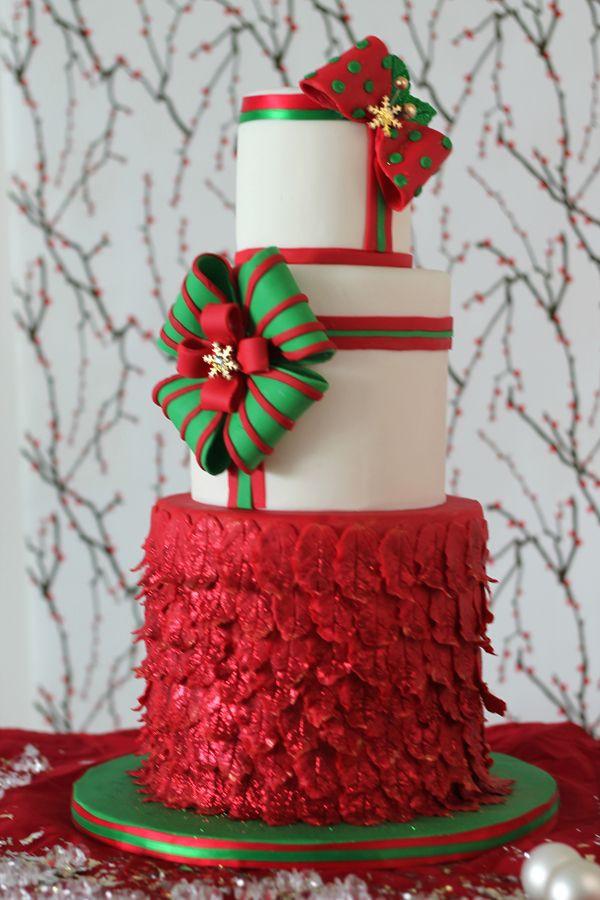 Elegant Christmas Cakes  The Magic of Christmas Satin Ice