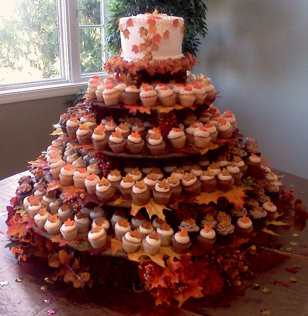 Fall Themed Cupcakes  Fall Leaves Theme Wedding Cake and Cupcakes