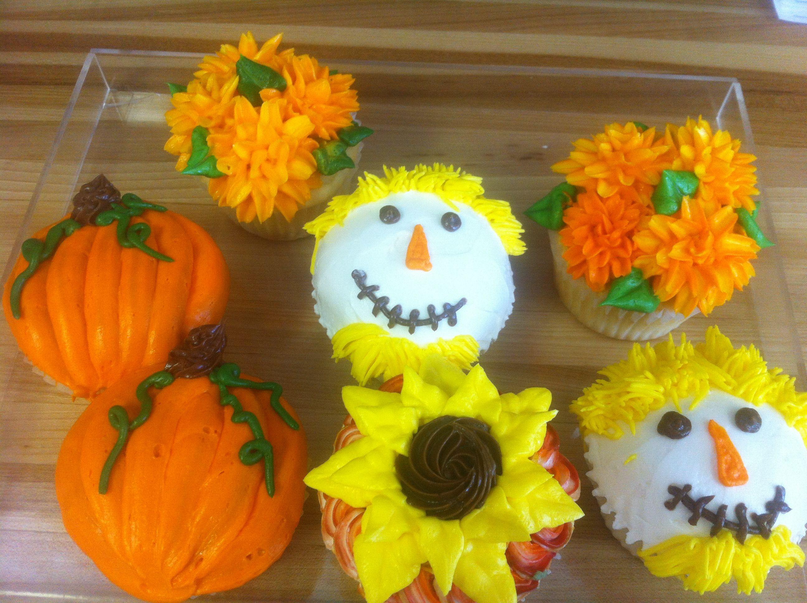 Fall Themed Cupcakes  Fall themed cupcakes pumpkin scarecrow