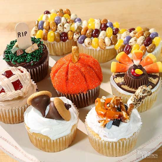 Fall Themed Desserts  7 Adorably Decorated Fall Cupcakes