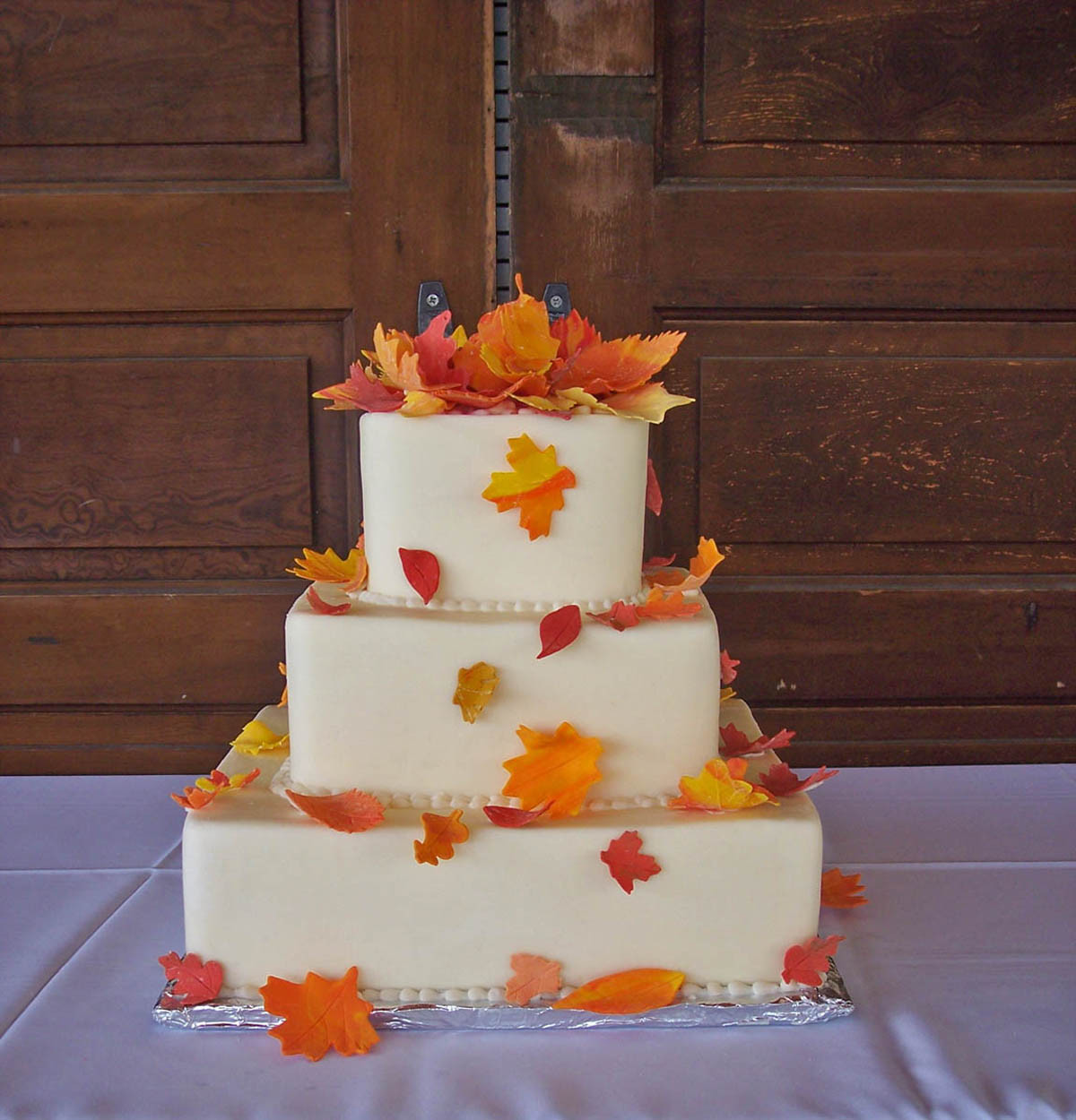 Fall Wedding Cakes Pictures  GAME Build a fall themed wedding NWR Chit Chat