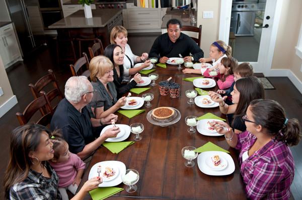 Family Thanksgiving Dinner  Big family Thanksgiving dinner on a bud