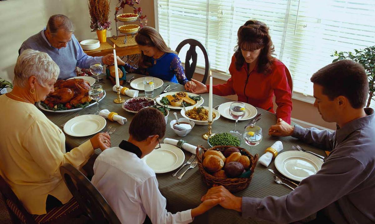 Family Thanksgiving Dinner  Thankful for Family