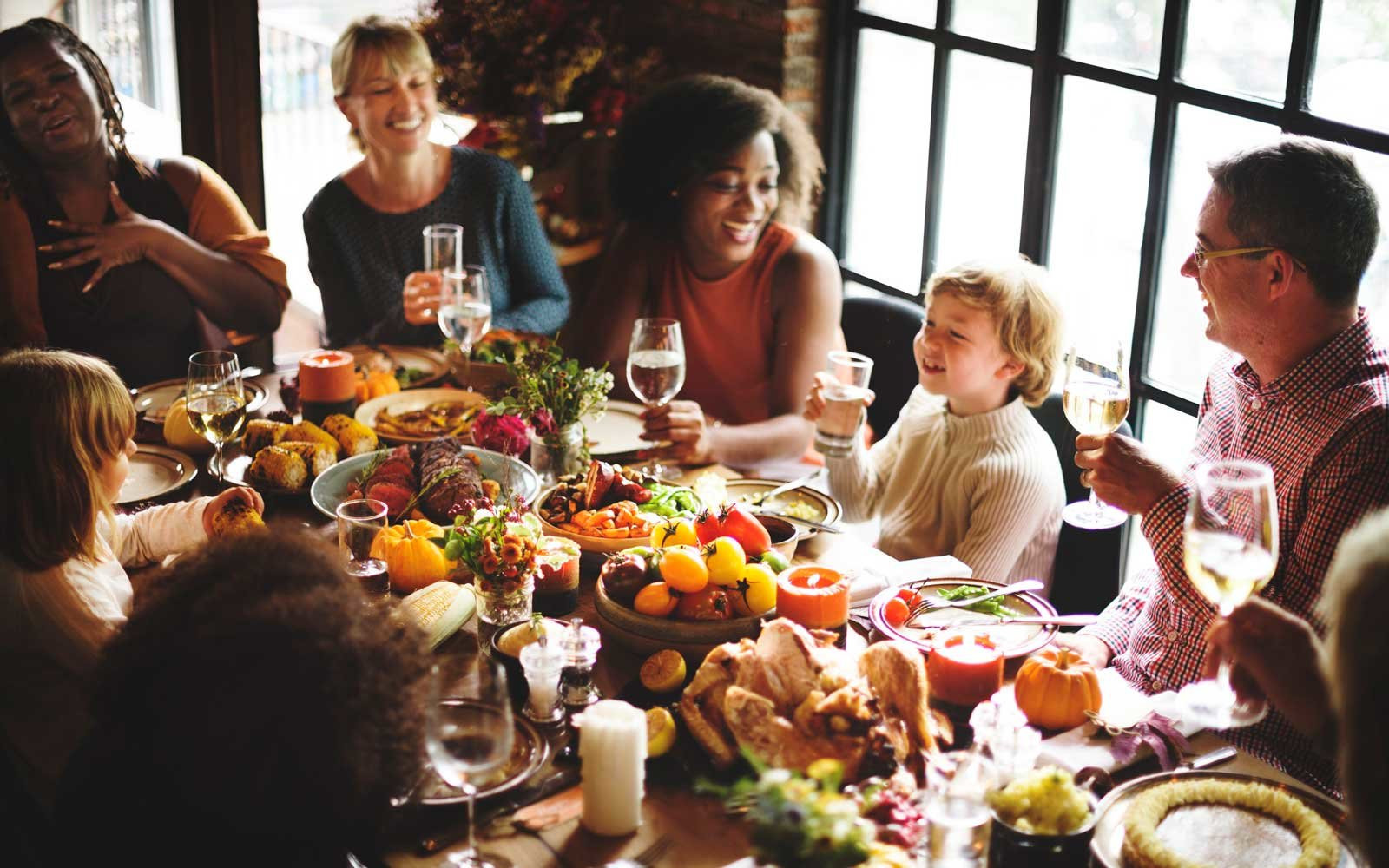 Family Thanksgiving Dinner  5 Pro Tips For Not Ruining Thanksgiving Dinner With