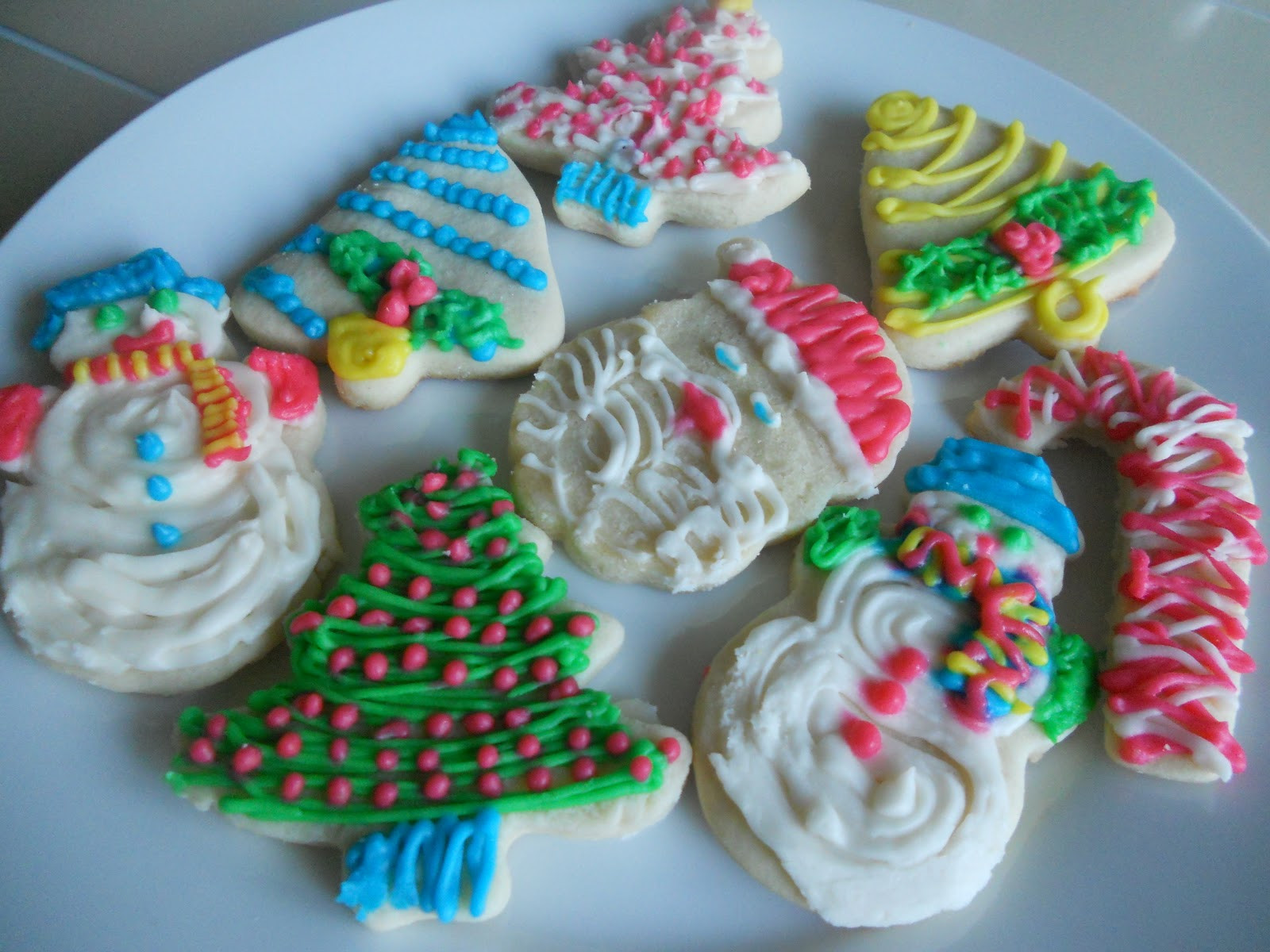 Frosted Christmas Cookies  The Café at The Little Yellow House Frosted Christmas Cut