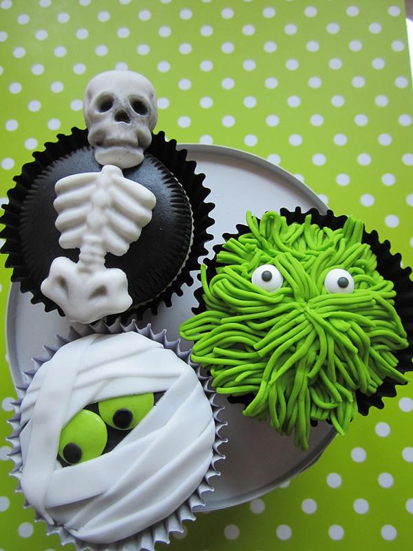 Funny Halloween Cupcakes  20 Fun And Creative Halloween Cupcakes