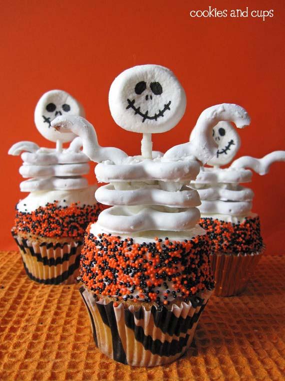 Funny Halloween Cupcakes  Skeleton Cupcakes