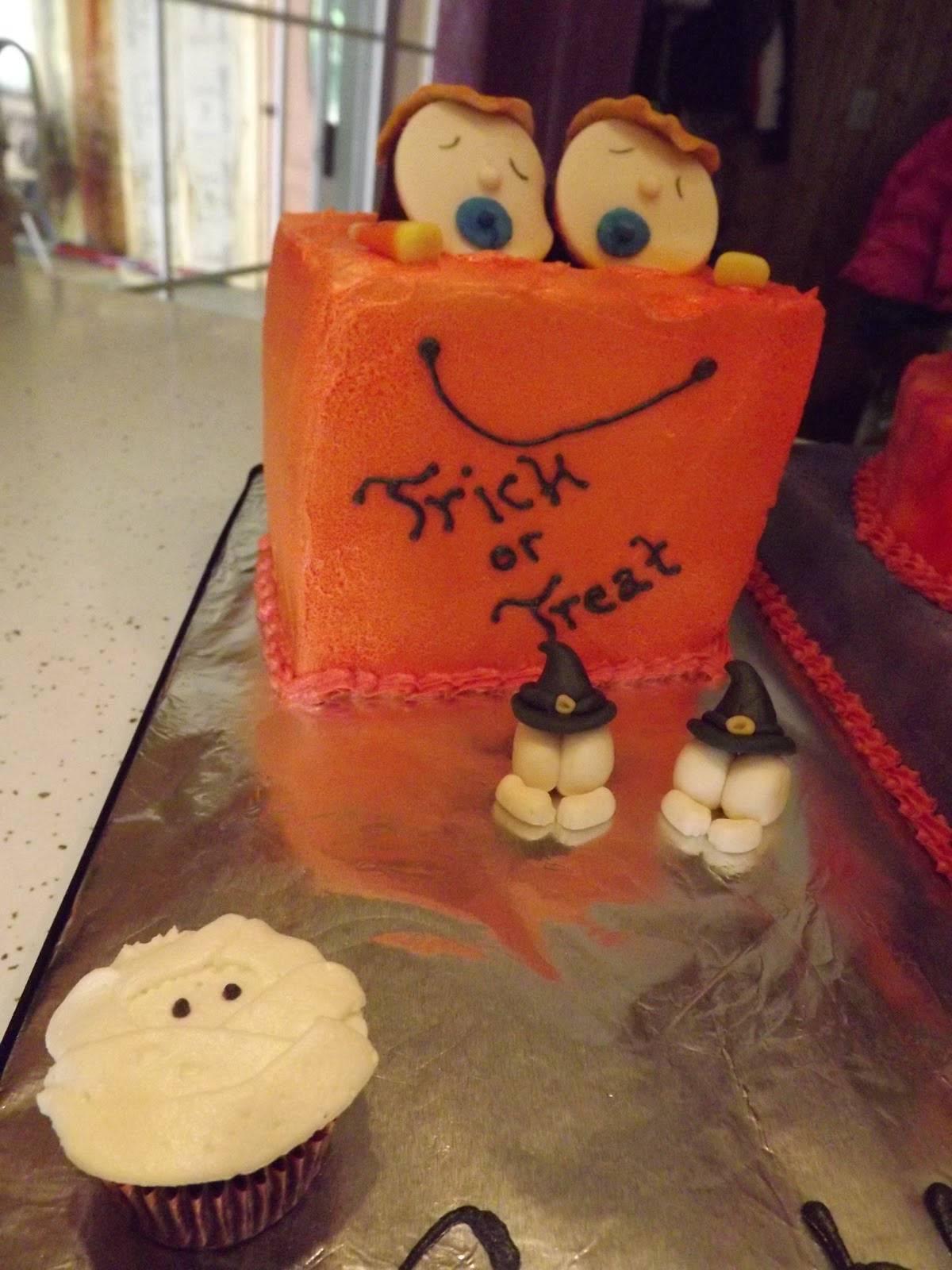 Halloween Baby Shower Cakes  The Crafty Couple Halloween Baby Shower Cake for Twins