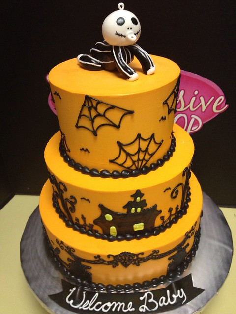 Halloween Baby Shower Cakes  Halloween Baby Shower cake