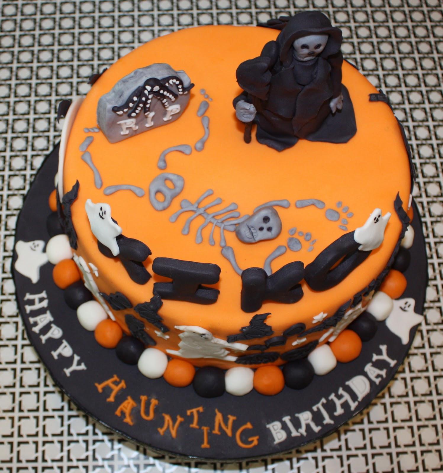 Halloween Birthday Cake Pictures  HALLOWEEN BIRTHDAY CAKE