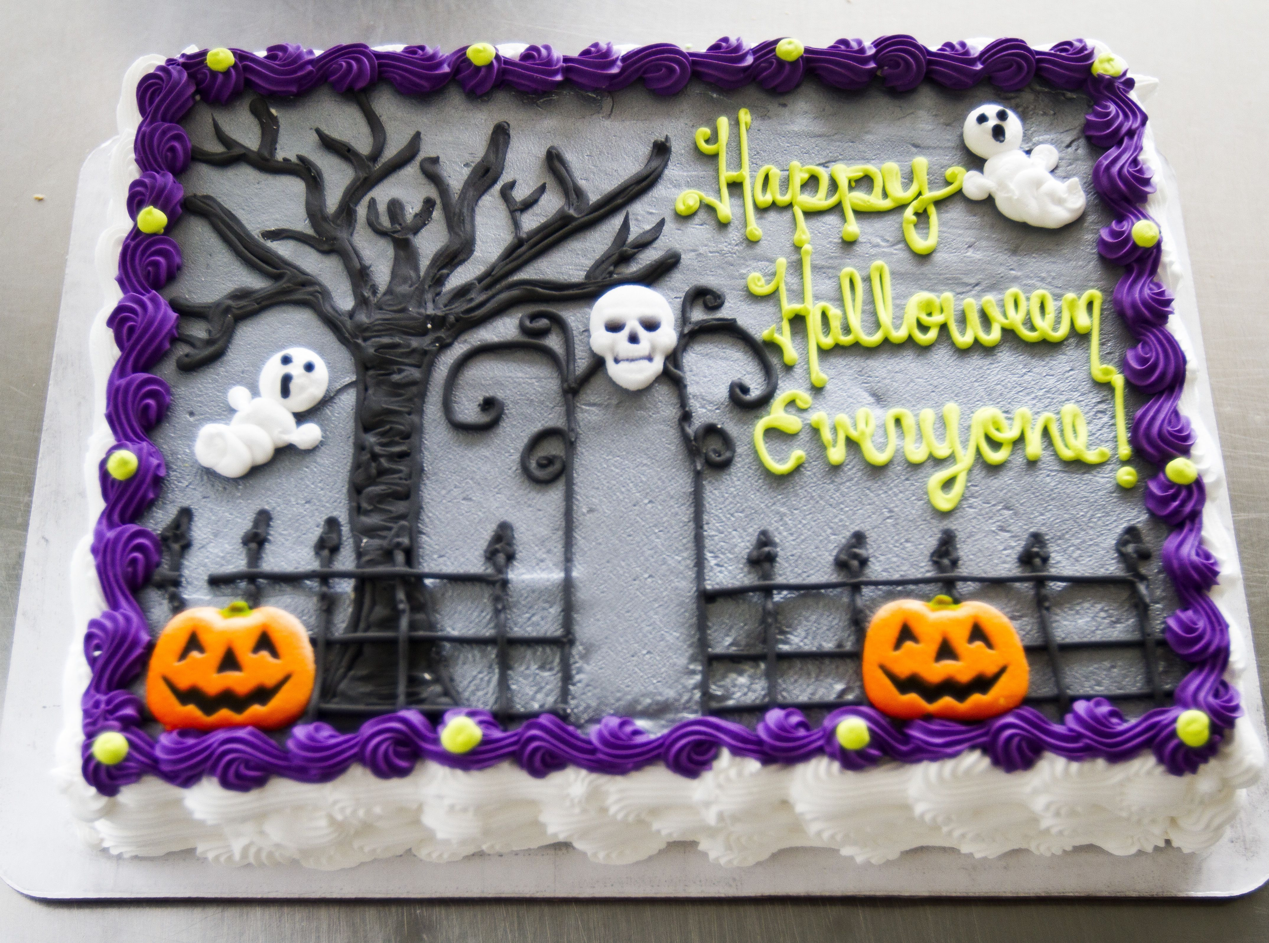 Halloween Birthday Sheet Cakes  A graveyard cake with ghosts for Halloween Cake 028