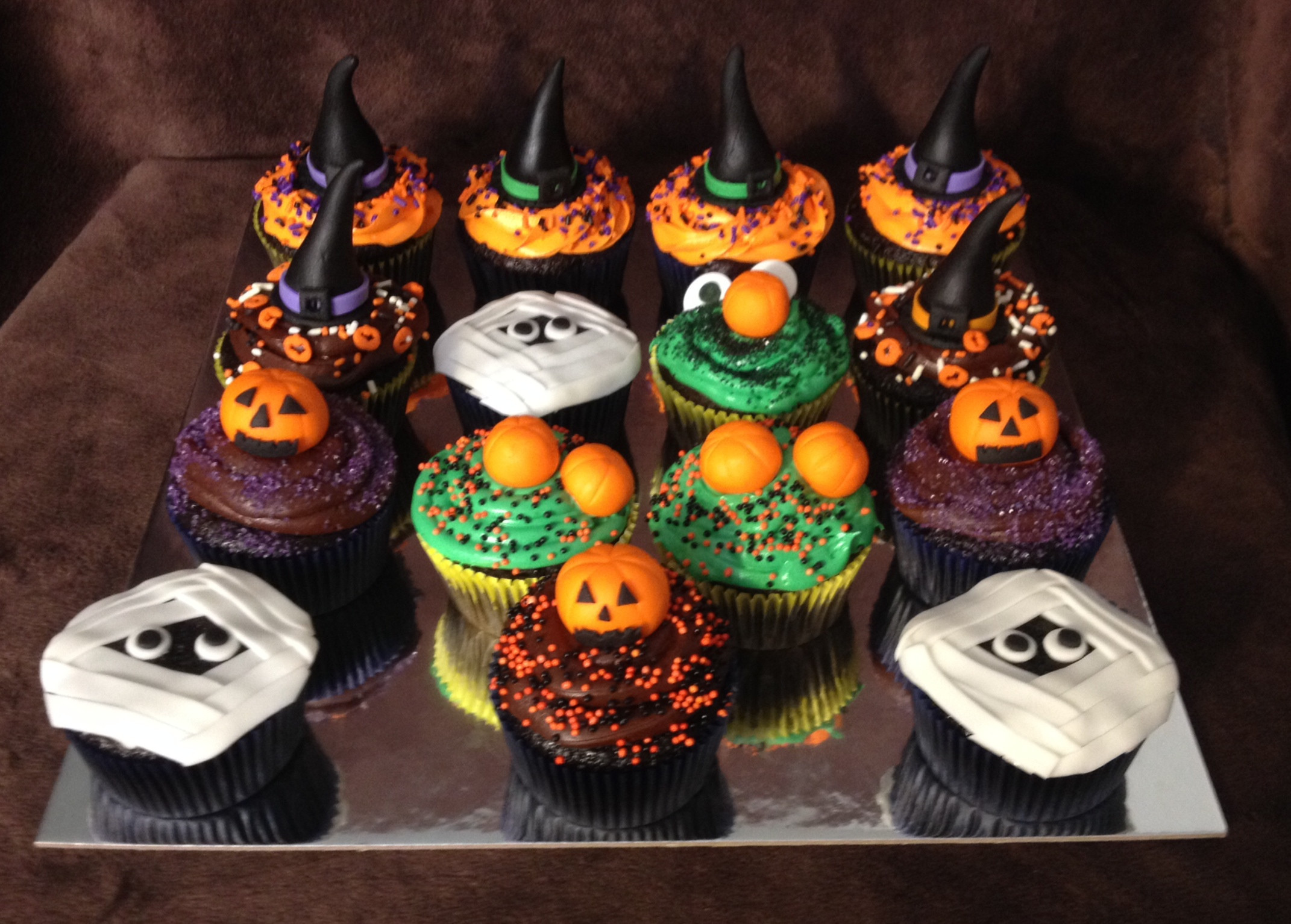 Halloween Cakes And Cupcakes  301 Moved Permanently