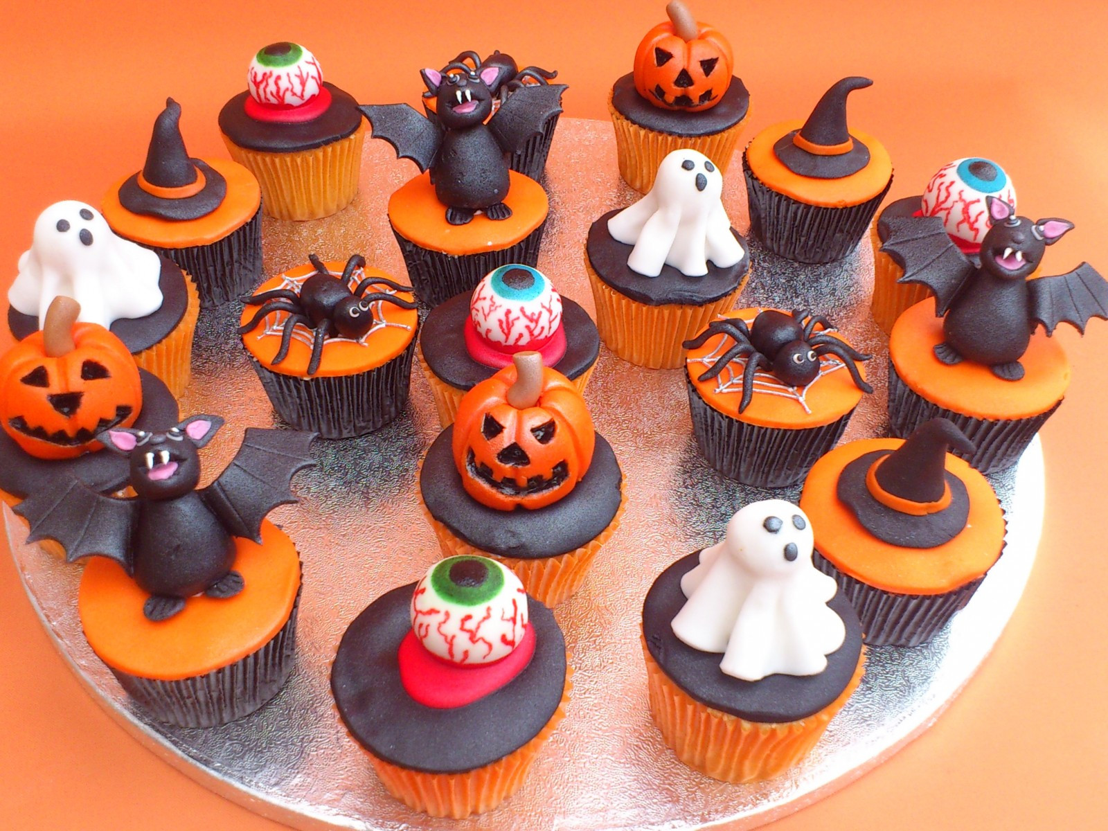 Halloween Cakes And Cupcakes  Halloween Cakes – Decoration Ideas