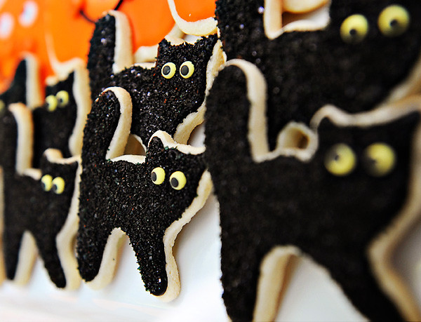 Halloween Cat Cookies  Don t Be Scared These Halloween Kitties B Lovely Events