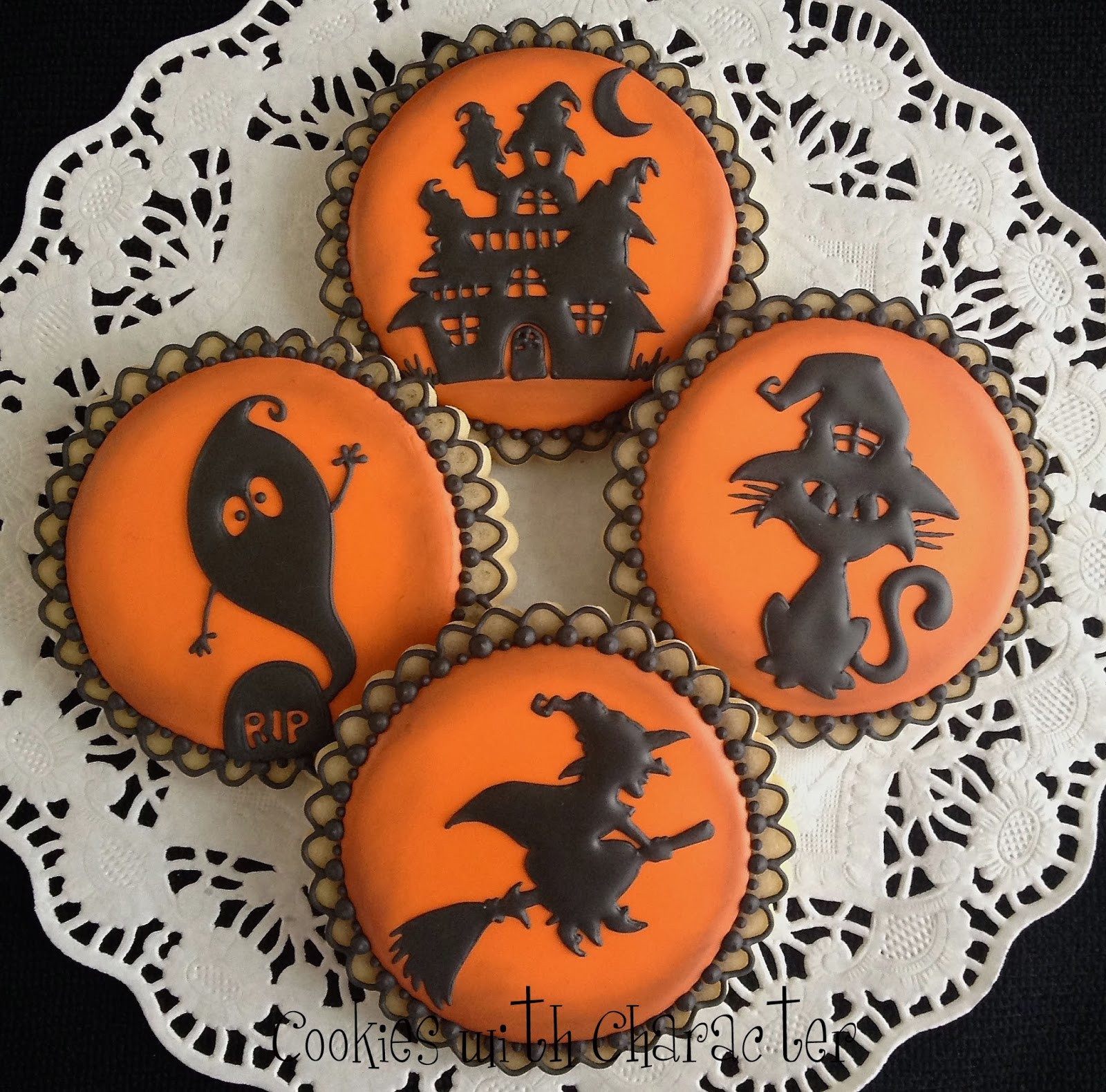 Halloween Cookies Pictures  Cookies with Character How did I here oh and a