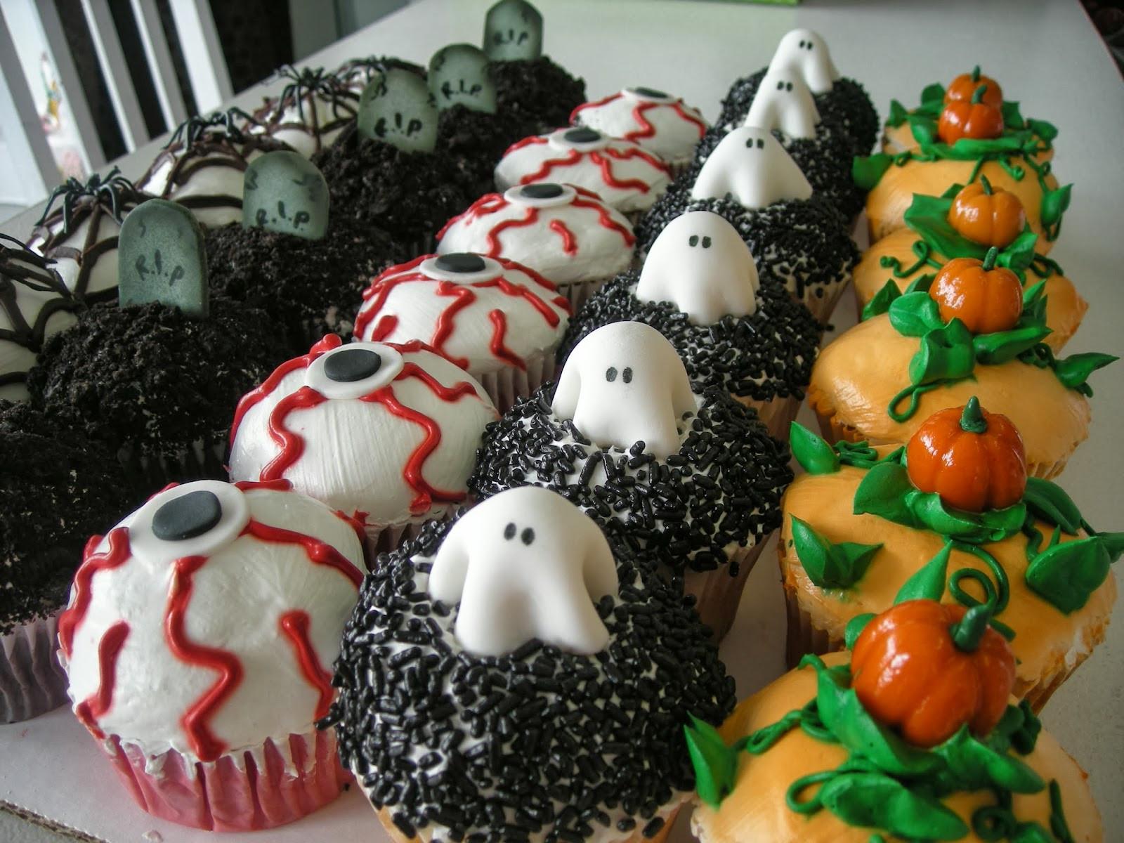 Halloween Cupcakes Decorating Ideas  Halloween Cake Decorating Ideas