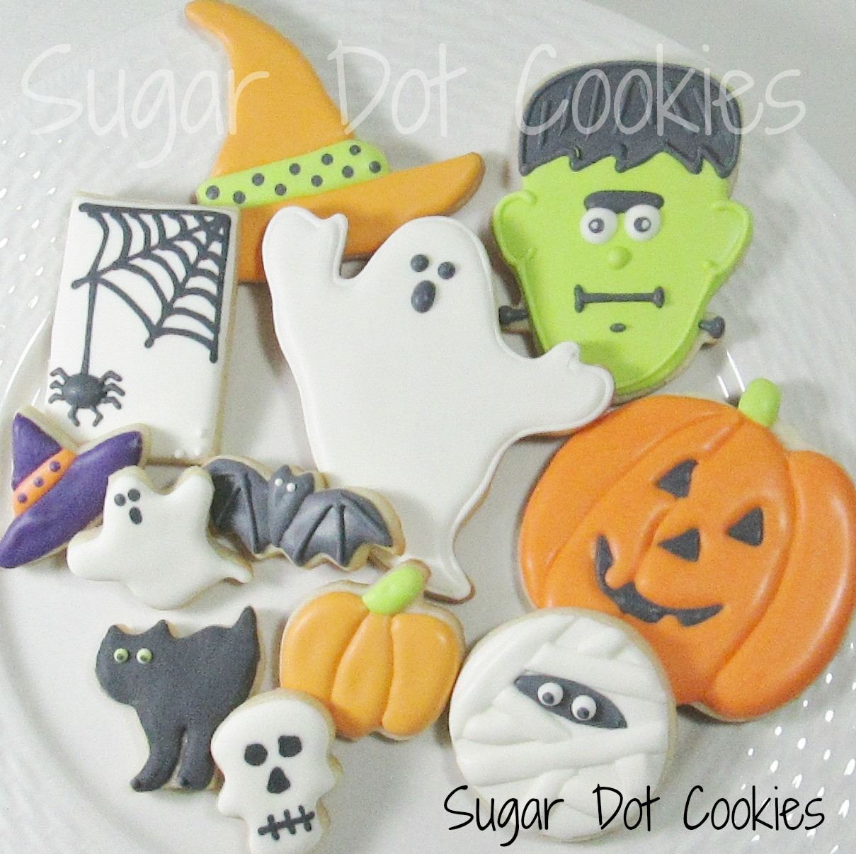 "Halloween Decorated Sugar Cookies  Here I am discussing ""wet on wet"" and ""wet on dry"