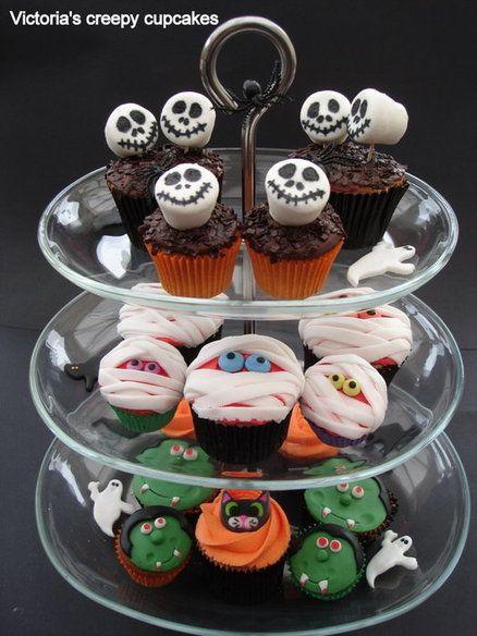 Halloween Decorating Cupcakes  Halloween Cupcake decoration idea with marshmallow