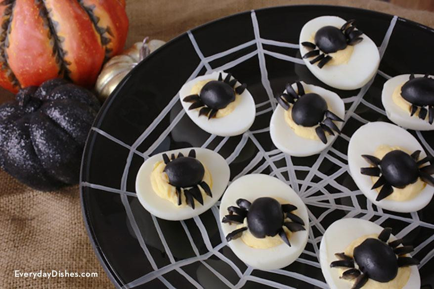 Halloween Deviled Eggs Spider  spider halloween deviled eggs recipe — Everyday Dishes & DIY