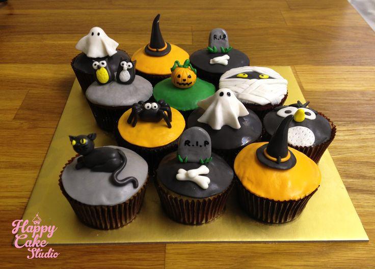 Halloween Fondant Cakes  Best 25 Halloween fondant cake ideas on Pinterest