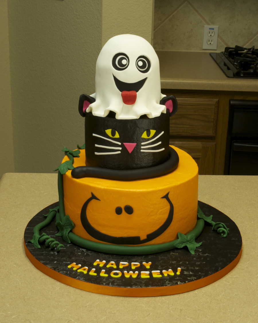 Halloween Fondant Cakes  Halloween Cake CakeCentral
