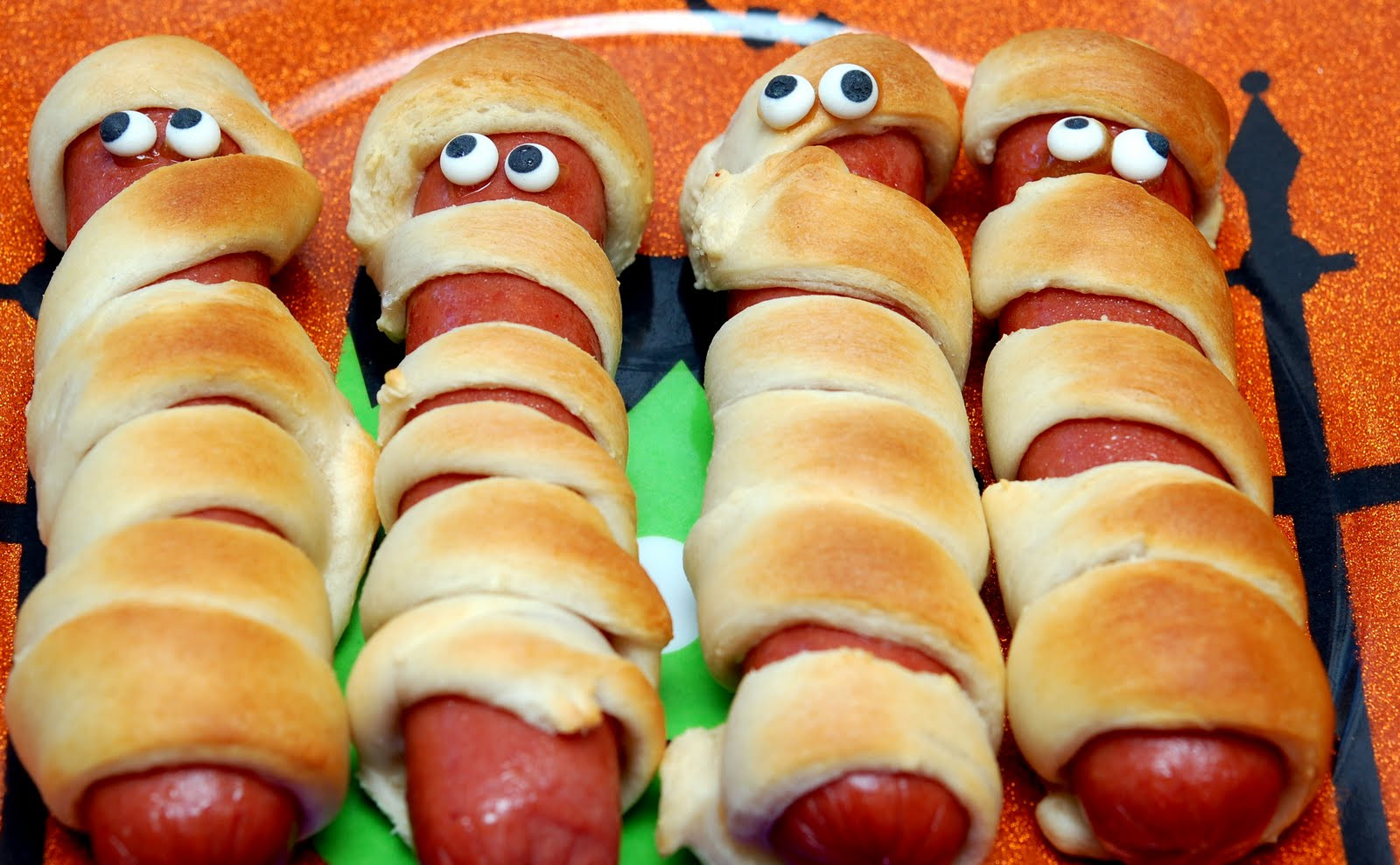 Halloween Hot Dogs Mummy  MUMMY HOT DOGS FOR DINNER Hugs and Cookies XOXO