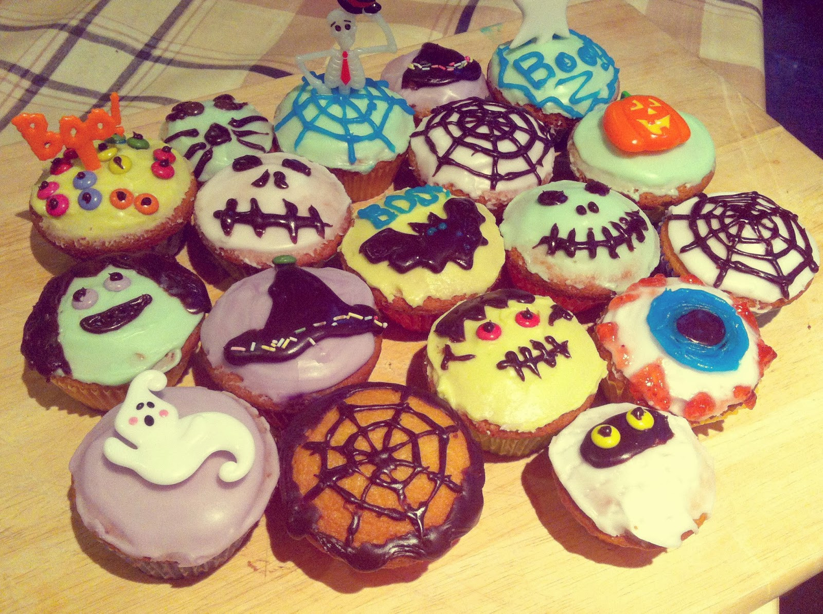 Halloween Inspired Cupcakes  Blon s Style Fix Fun in the Kitchen Halloween themed