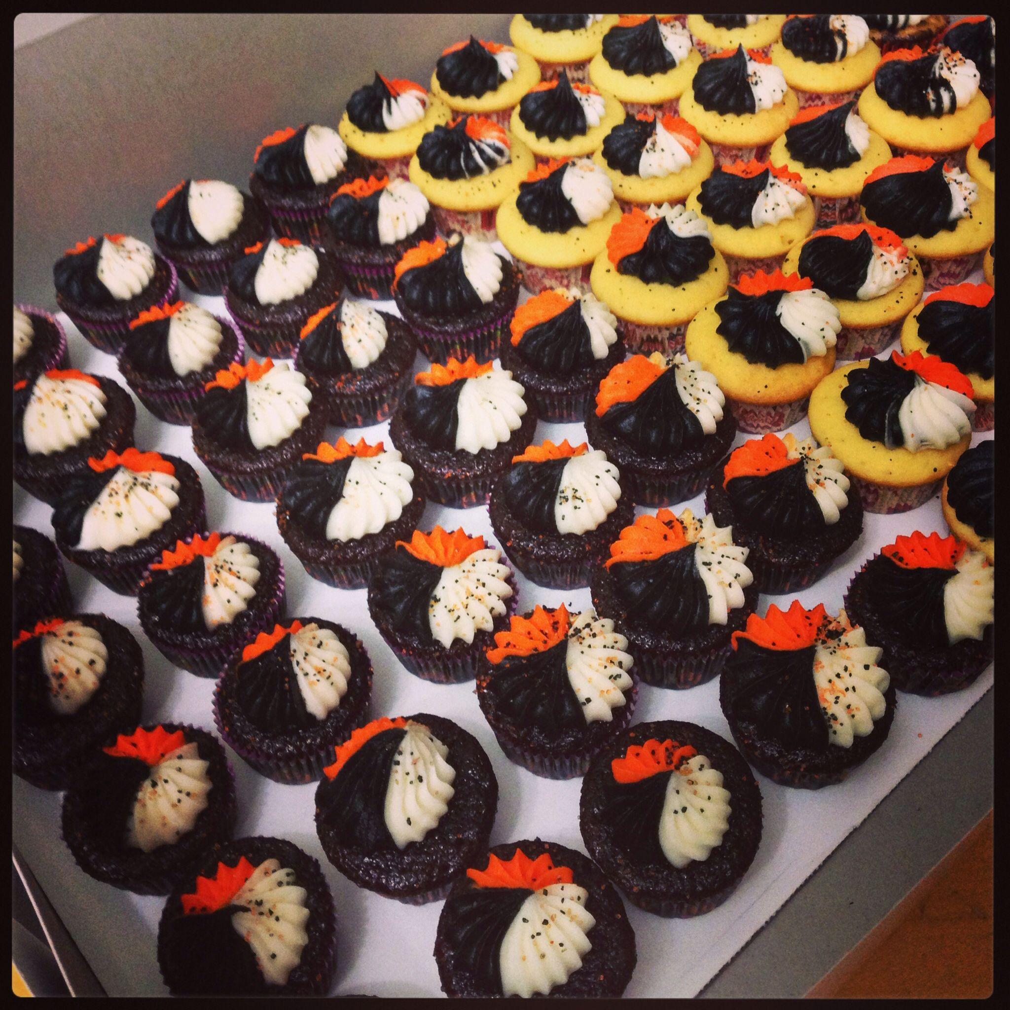 Halloween Mini Cupcakes  Halloween Mini Cupcakes Mini cupcake