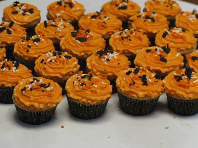 Halloween Mini Cupcakes  Mini Halloween Cupcakes