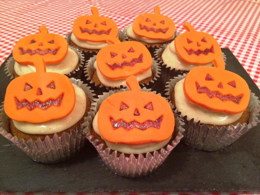 Halloween Pumpkin Recipes  Halloween Pumpkin Cupcakes