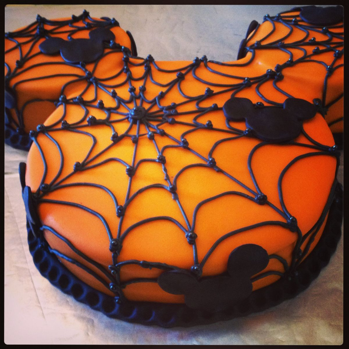 Halloween Spider Cakes  Make a Halloween Mickey Mouse cake the pipe on icing in