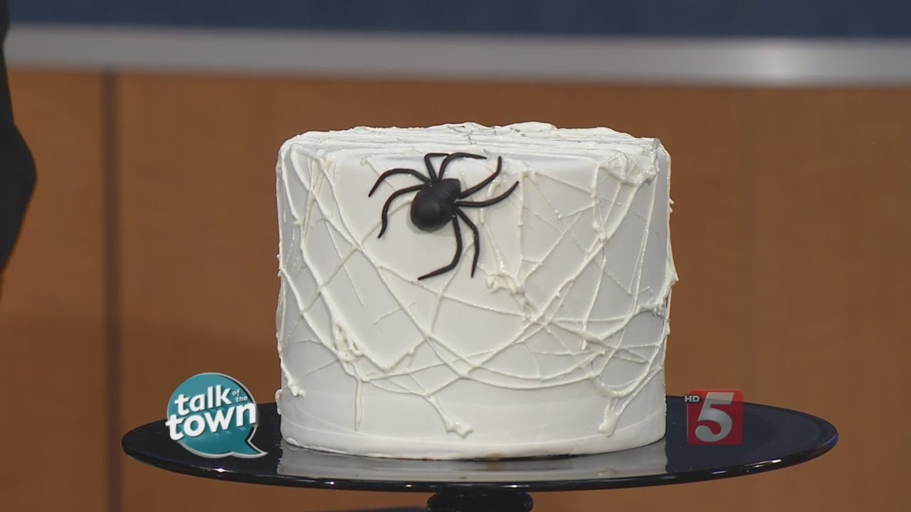 Halloween Spider Cakes  How to Make a Halloween Spider Cake