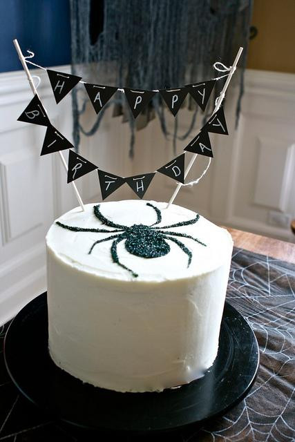 Halloween Spider Cakes  12 Awesome Halloween Cakes Anyone Can Make Spaceships