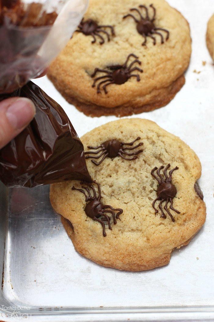Halloween Spider Cookies  Chocolate Chip Spider Cookies