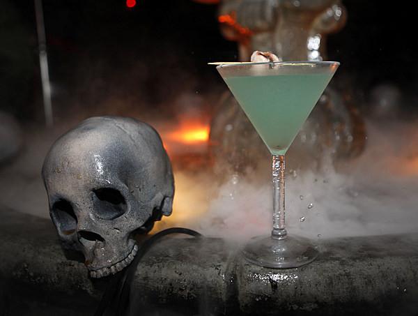Halloween Themed Alcoholic Drinks  Halloween Themed Alcoholic Drink Recipes