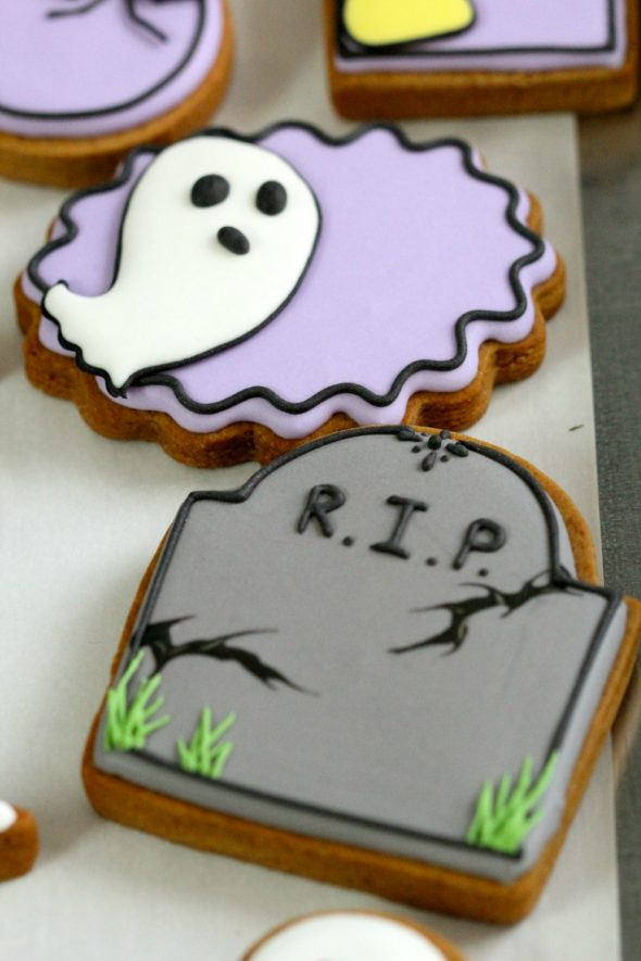 Halloween Themed Cookies  Can you use anything besides egg whites or meringue powder