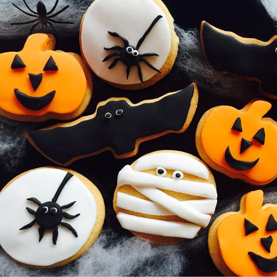 Halloween Themed Cookies  Spooky Themed Halloween Cookies Recipes