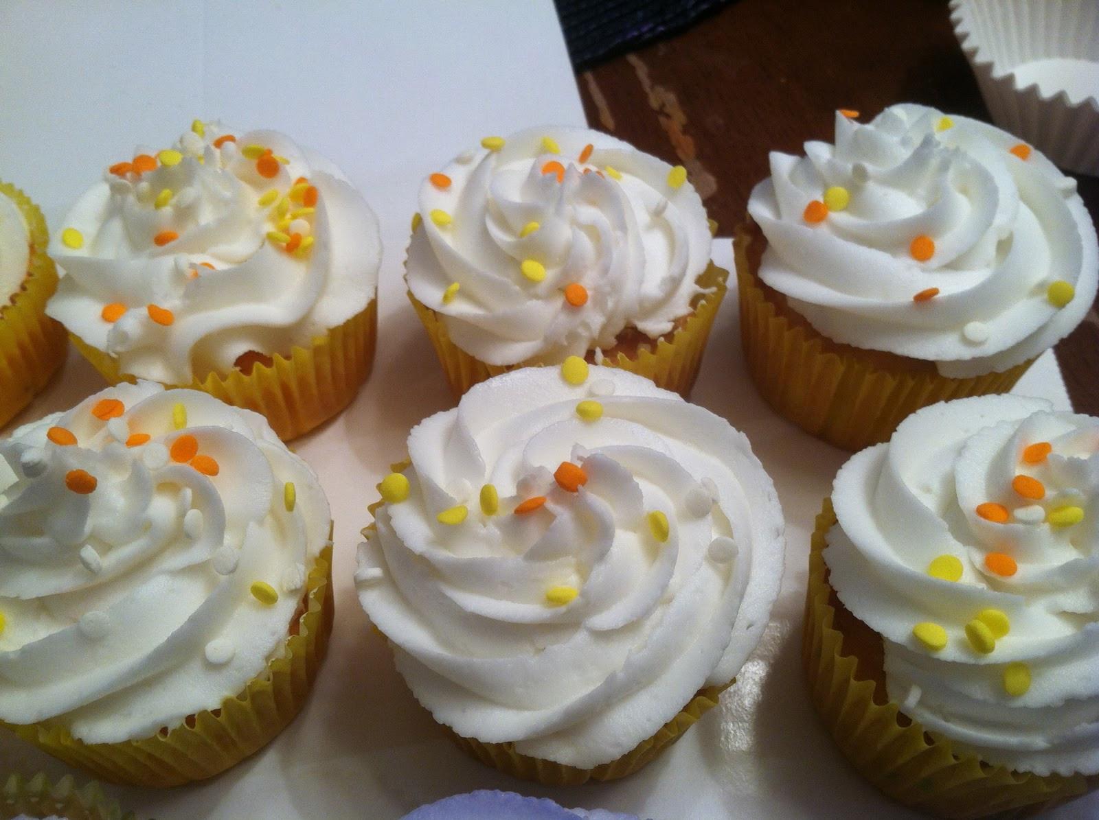 Halloween Themed Cupcakes  Kyla s Cupcakes Halloween themed cupcakes
