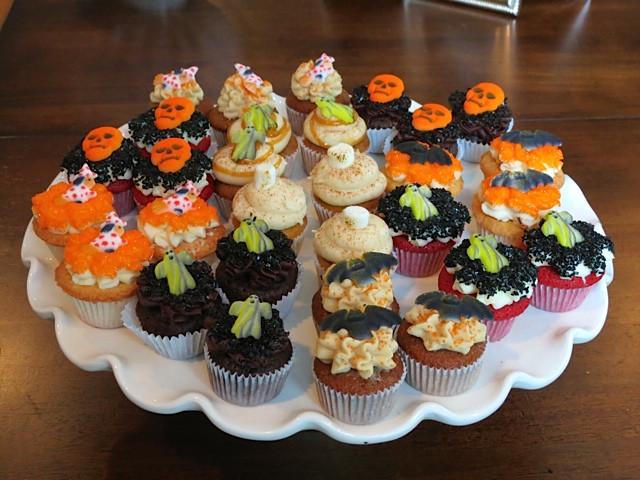 Halloween Themed Cupcakes  happy halloween birthday